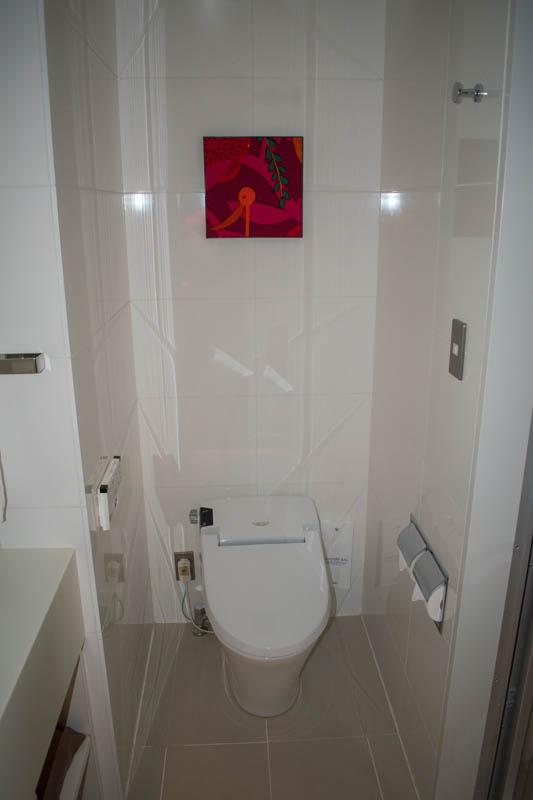 The Gate Hotel Kaminarimon Toilet
