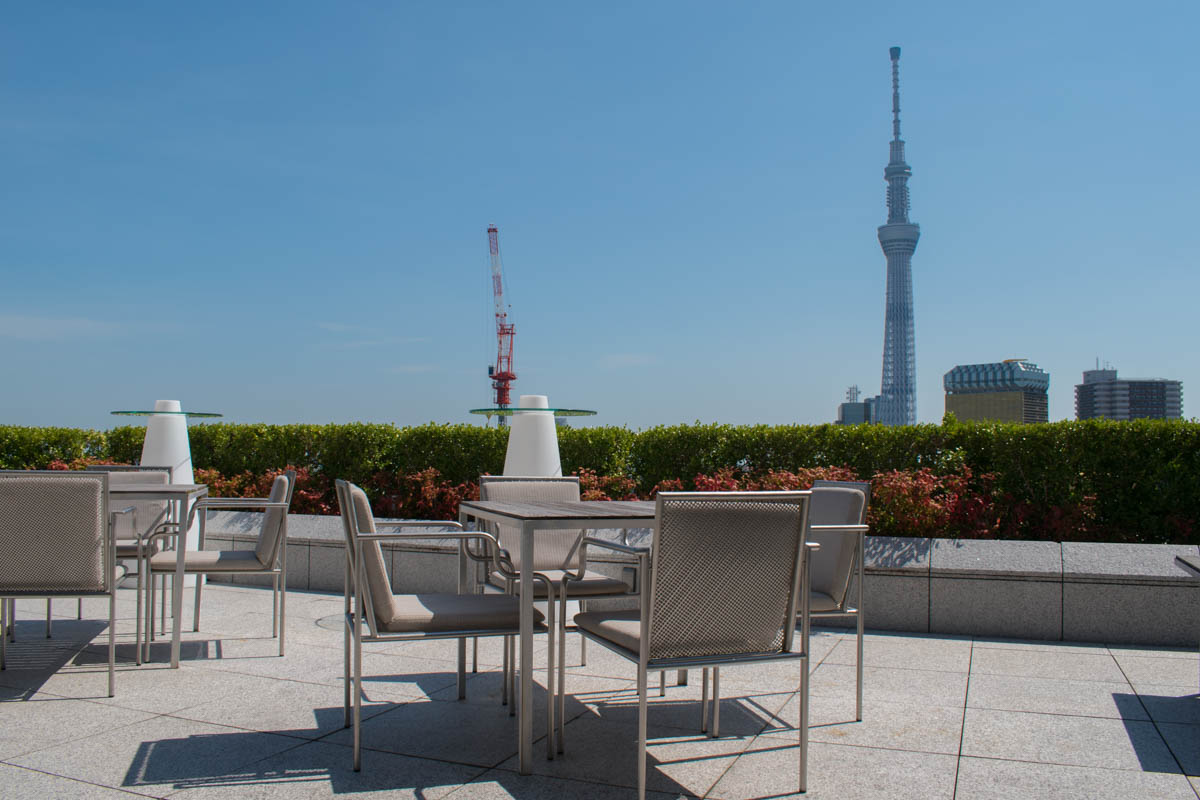 The Gate Hotel Kaminarimon rooftop bar